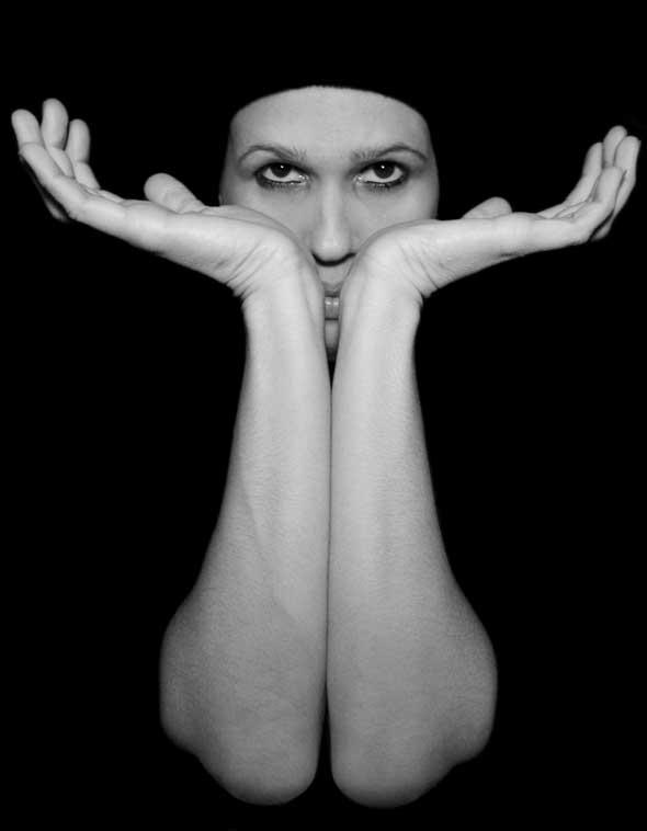"""Deseando palpar el horizonte de mis ojos, de la serie """"Tentaciones"""". 2009. Autor: Mileidy Morán García"""