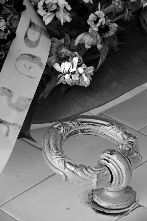 """...y nos separo la muerte, de la serie """"Interfase"""". 2012. Autor: Mileidy Morán García."""