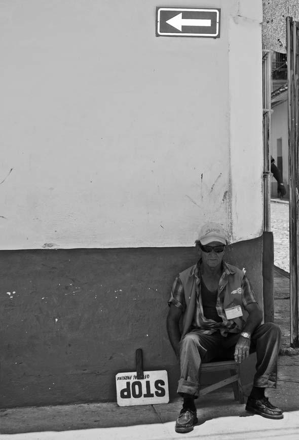 """El celador del sentido, de la serie """"Tolerancia = 0"""". 2011. Autor: Mileidy Morán García"""